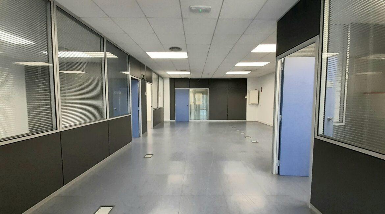 Oficina de 174 m2 en alquiler en el Trade I